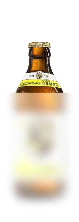 Münchsteinacher NaturRadlerAus der Heimat - für Genießer aus der Heimat. Unsere neueste Bierspezialität liegt flexibel in der Hand und erfrischt beim ersten Schluck!